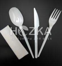 Набор одноразовы белый (салфетка, вилка, нож, ложка)